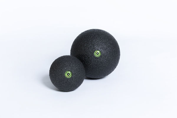 Blackroll Ball (Iso) -hierontapallo
